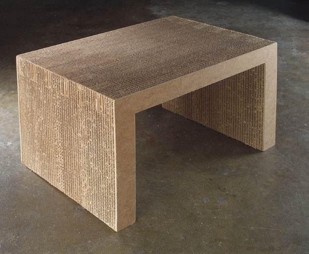 stol z karotnu